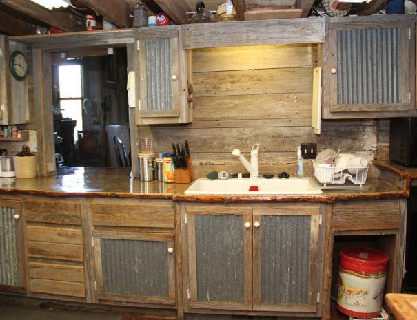 lodge1-kitchen1